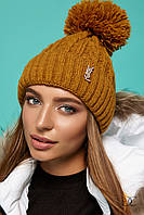 Женская вязаная шапка с узором и помпоном 31GO130