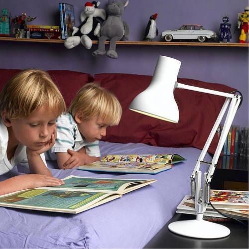 Настольная LED лампа - правильный осветительный прибор для Вашего всезнайки