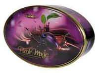 Набор конфет в металлической коробке Magnat Plums in Chocolate
