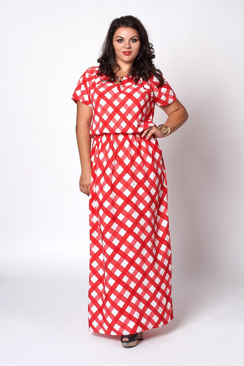 Длинное летнее платье в красную клетку