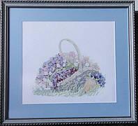 Картина «Корзинка с цветами» вышитая крестом ручной работы 50х45 см