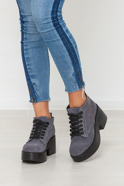 Женские ботинки из натуральной замши серого цвета SPAVALDERIA GREY SUEDE