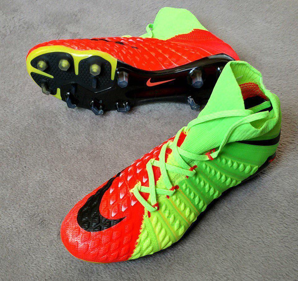 Бутсы Hypervenom Phantom III FG с носком, оранжево-зеленые, пластиковые  шипы, беговые 52b69f63aea