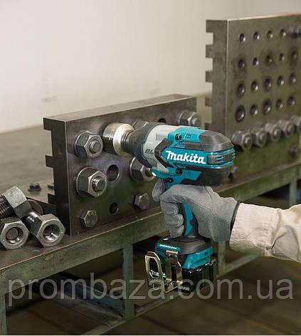 Аккумуляторный ударный гайковерт Makita DTW1001Z, фото 2