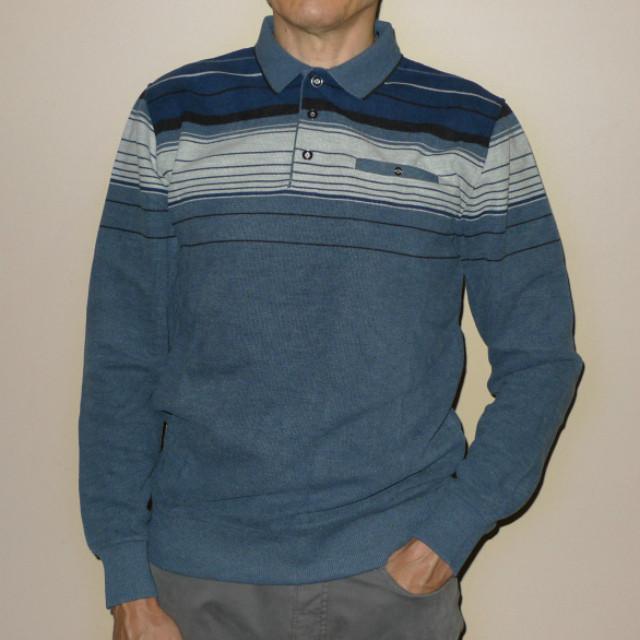 Плотный синий свитер с воротом поло на кнопках