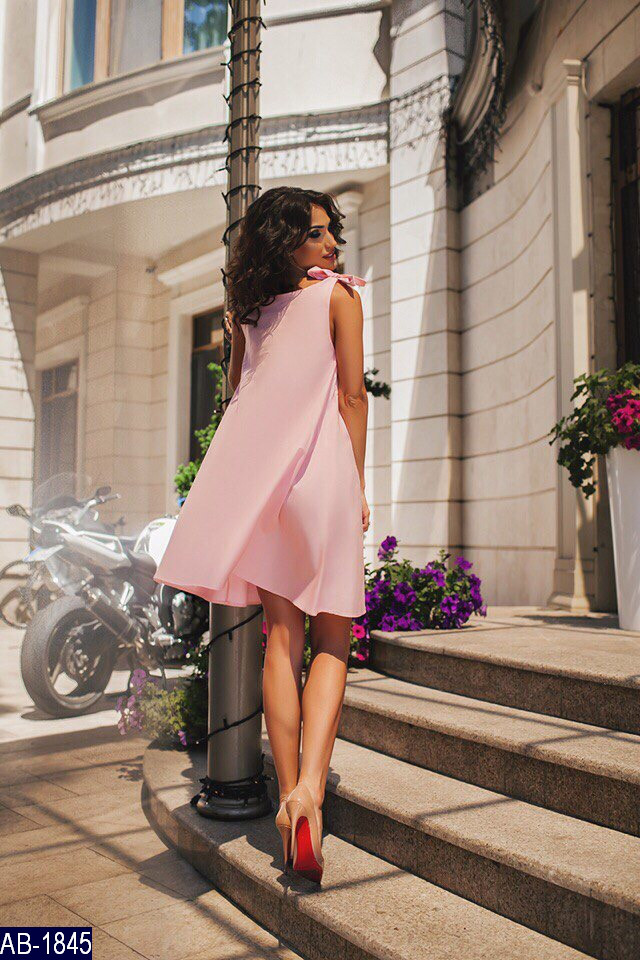 Летнее розовое платье, свободное