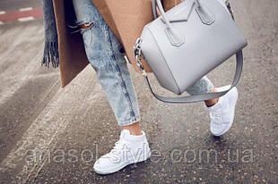Женские кроссовки: динамика молодежного стиля