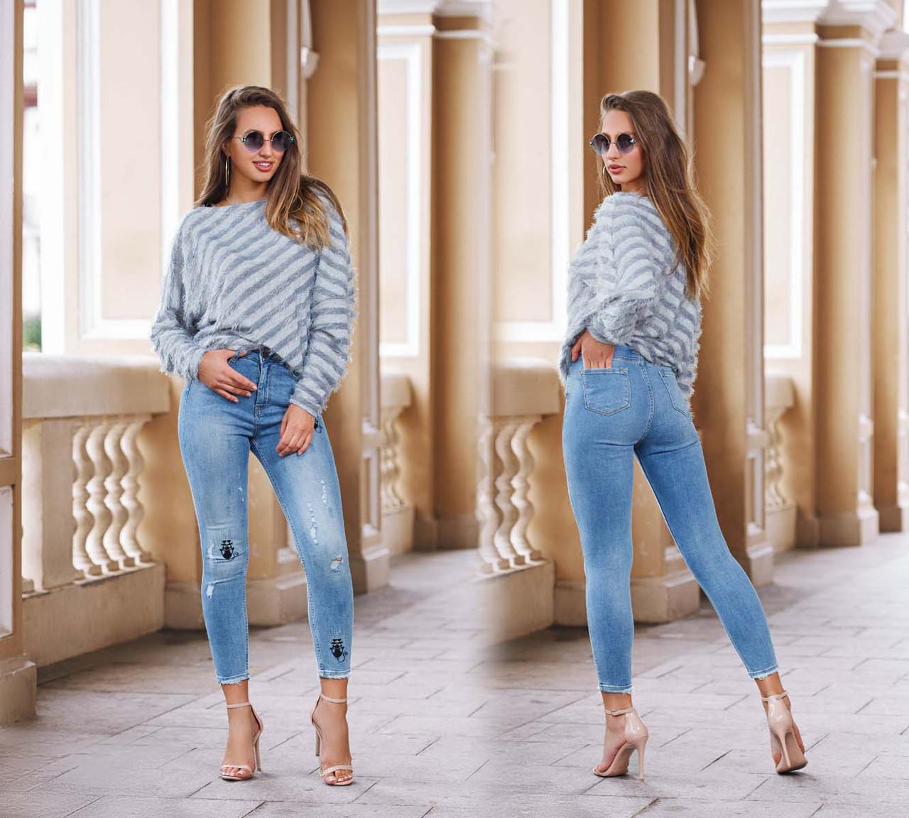 Женские стильные укороченные джинсы с вышивкой 0785