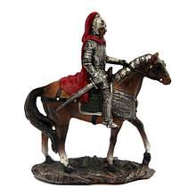 Каменная статуэтка Рыцарь с копьем на лошади