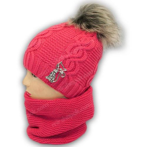 Вязаная шапка и шарф хомут