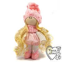 Лялька в рожевій шапочці, маленька