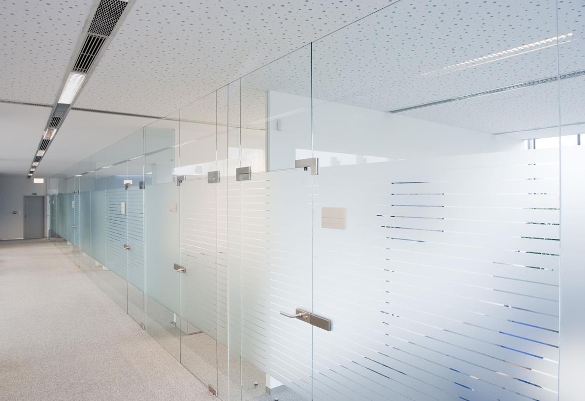 Перегородки из каленного стекла с матовыми полосами, для дома и офиса