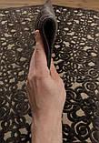 Красивый темно коричневый тонкий рельефный ковер из натуральной вискозы на кремовом фоне, фото 3