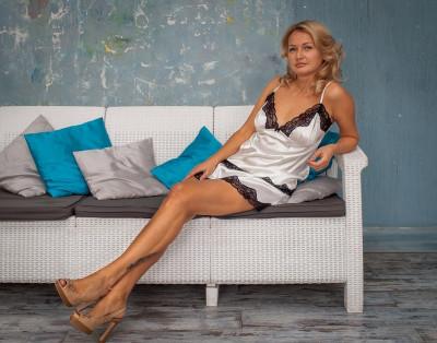 Шелковый комплект с шортами, пижама Serenade, арт. 103 шампань с черным