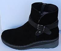 Ботинки женские зимние замшевые на танкетке от производителя модель МВ008Б, фото 1