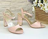 Женские кожаные босоножки на устойчивом каблуке, цвет пудра., фото 3