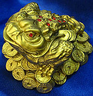 Жаба на монетах каменная крошка золотая (7х10,5х9,5 см)