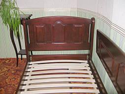 """Деревянная односпальная кровать """"Афина"""" с ящиками на телескопических направляющих и декоративной боковой панелью. Массив дерева - ольха, покрытие - """"итальянский орех"""" (№ 462)"""