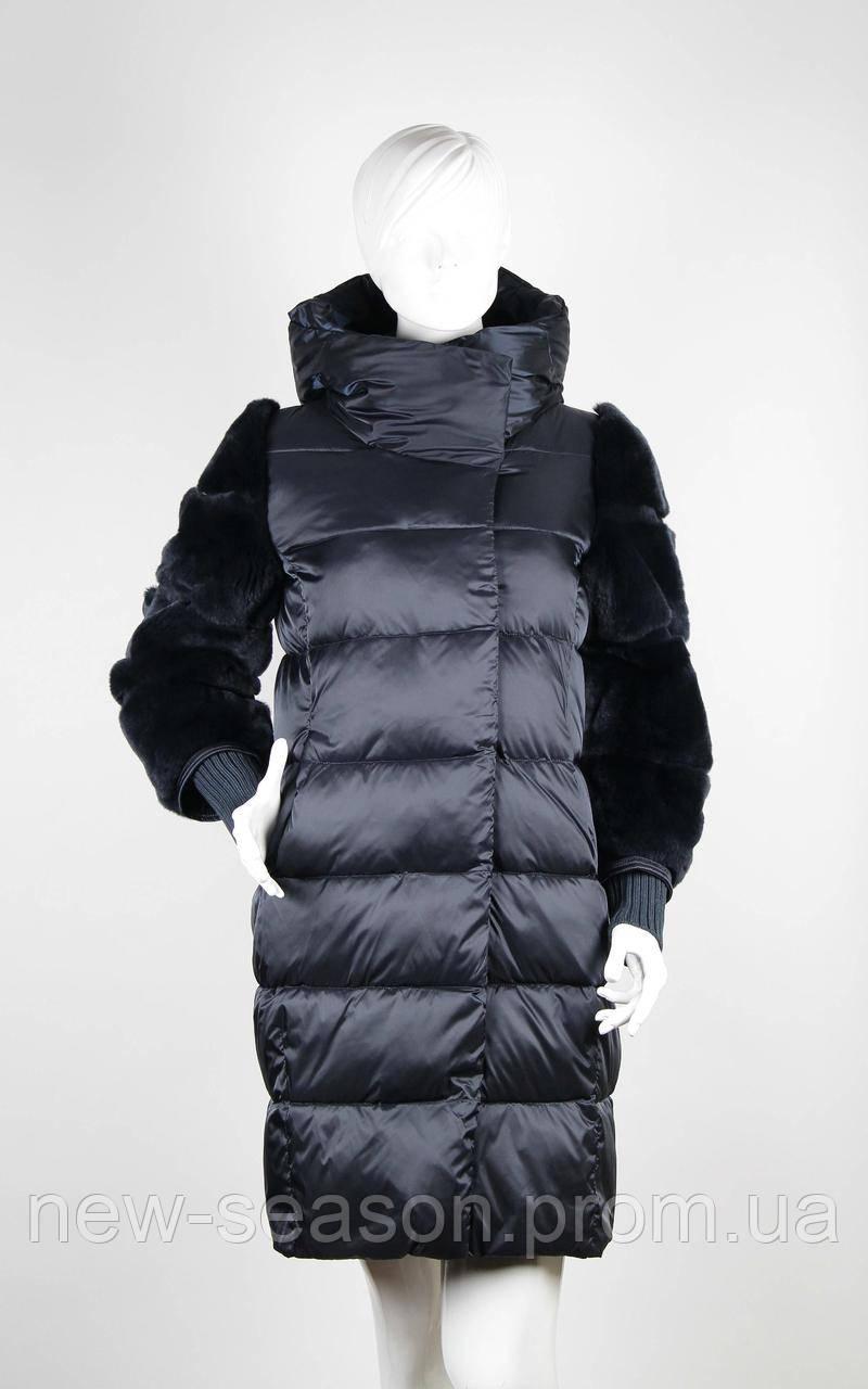 Пуховик зимний с мехом бобрика Snow Beauty 1896 темно-синий
