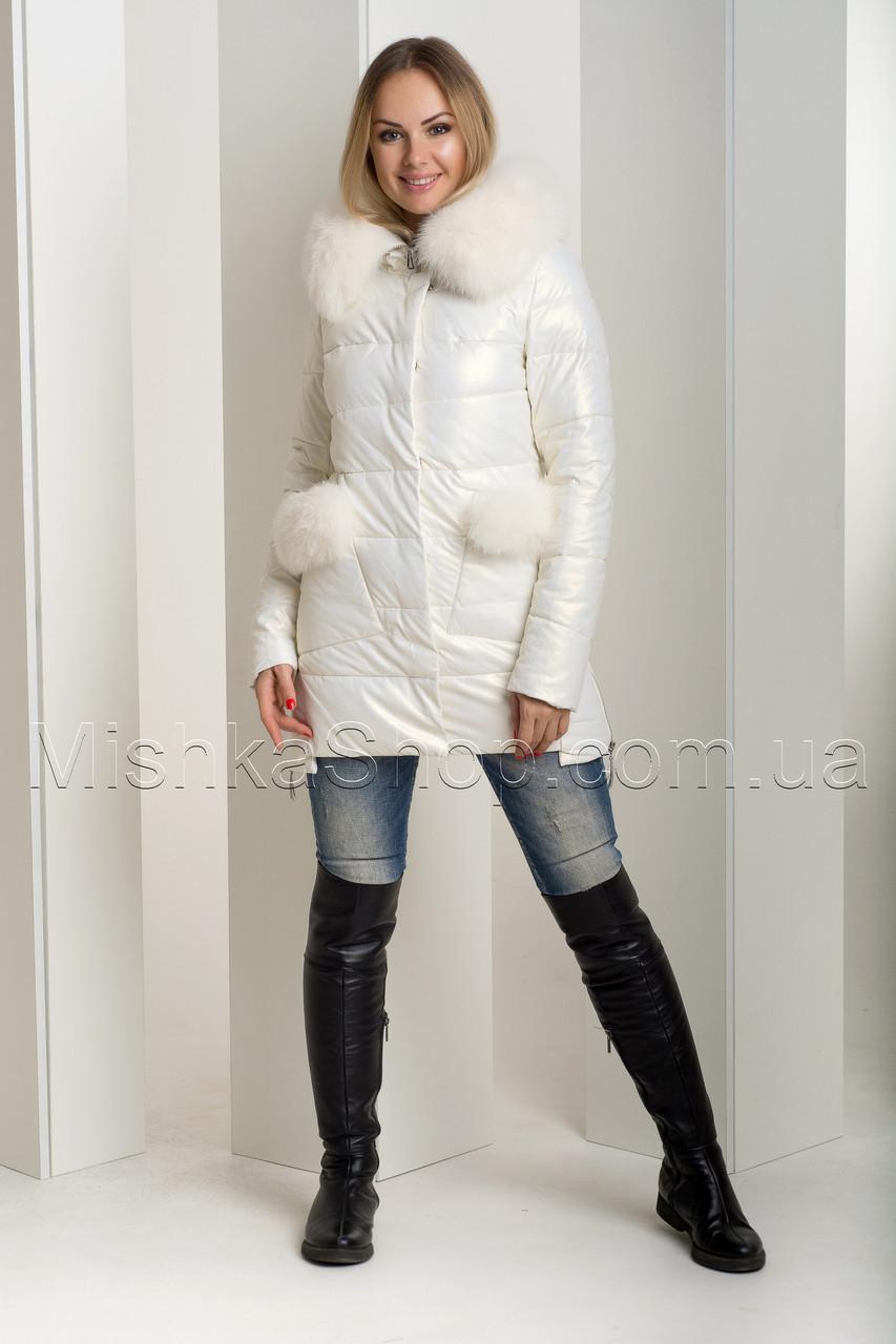 Эффектный зимний пуховик-куртка из экокожи Ana Vista 37 с натуральным мехом песца цвета молочный