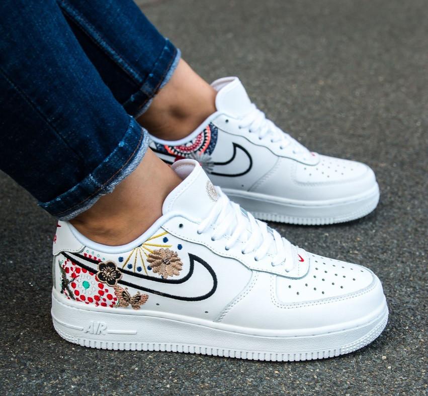 cd571c1f Кроссовки в стиле Nike Air Force 1 Low Retro Sneakers