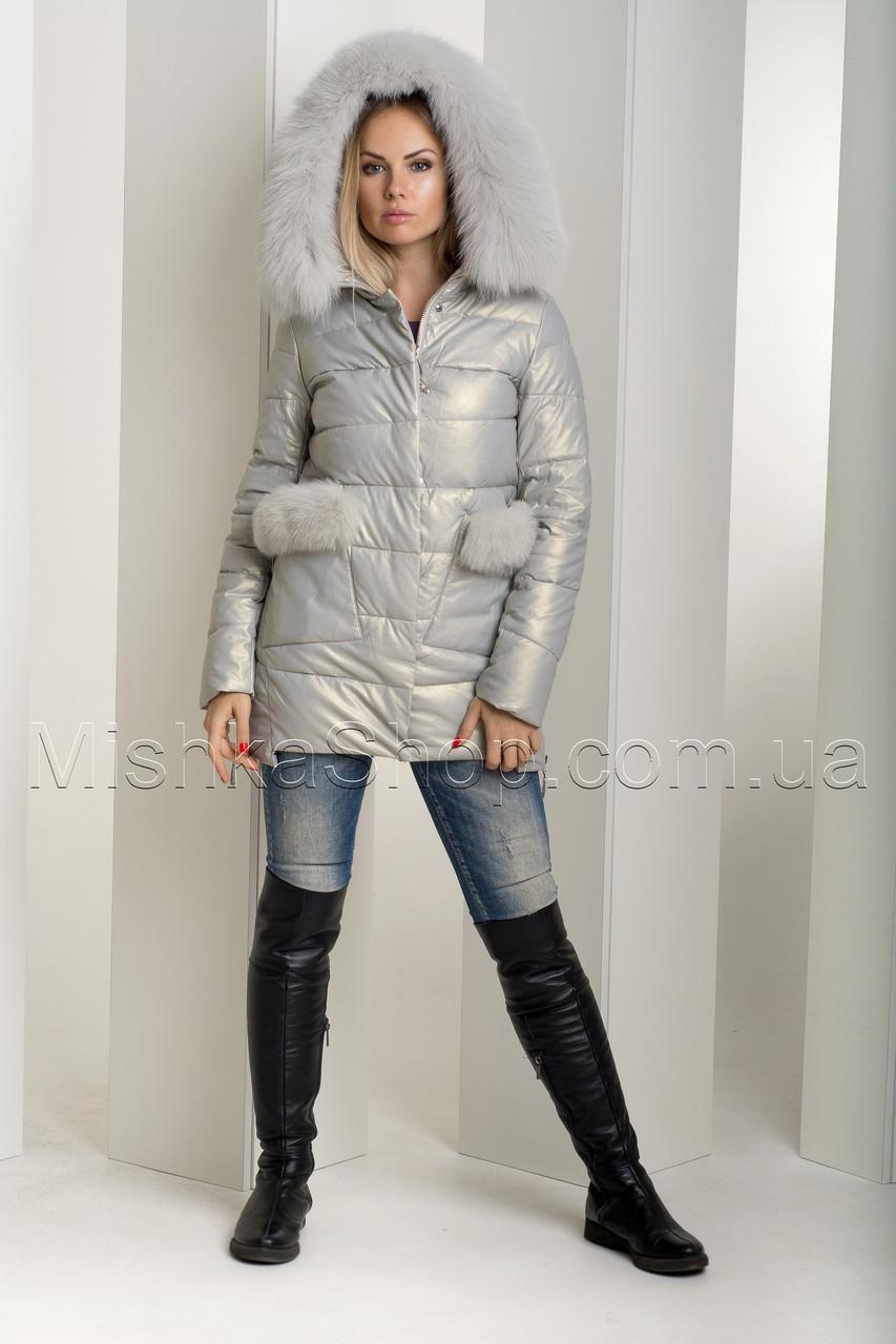 Эффектный зимний пуховик-куртка из экокожи Ana Vista 37 с натуральным мехом песца цвета жемчуг