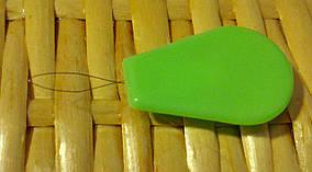 Копия Нитковдеватель с пластмассовым держателем
