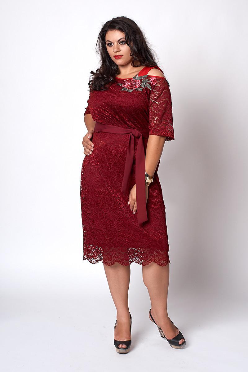 Мереживне жіноче плаття бордового кольору