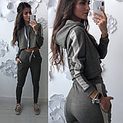 98c788e6eccf Женский спортивный костюм нежно цвета хаки с укороченной кофтой ...
