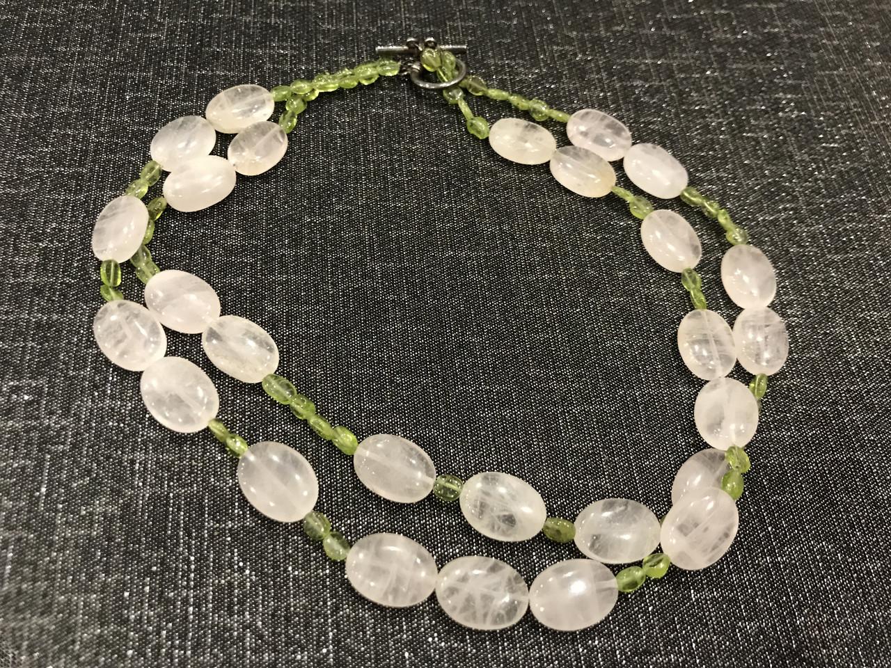 Ожерелье c кварцем и зеленым перидотом