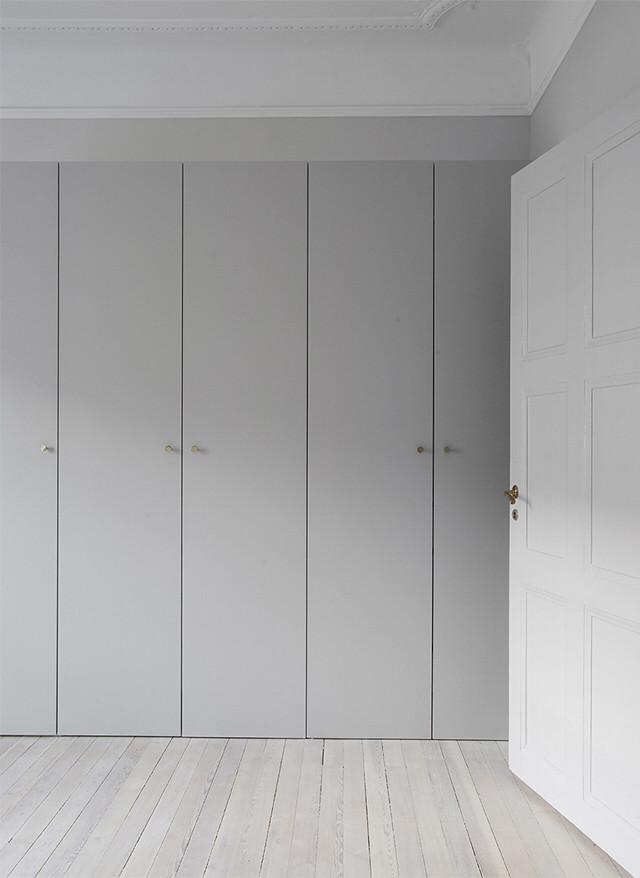 Шкаф серый матовый фасады мдф акрил niemann, blum furniture