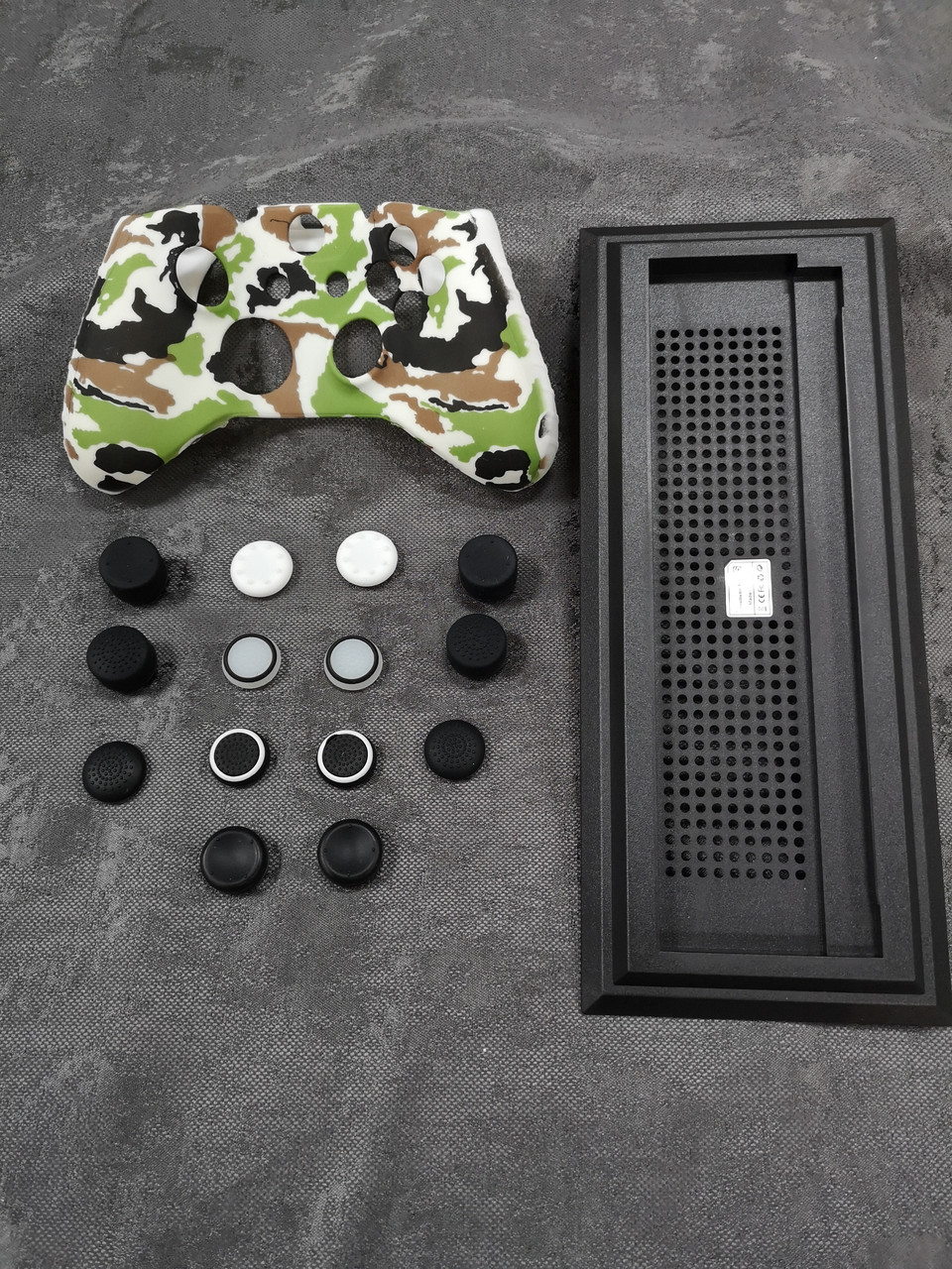 Darius Box V21 - Набор 1 чехол + 14 накладок + подставка для Xbox One