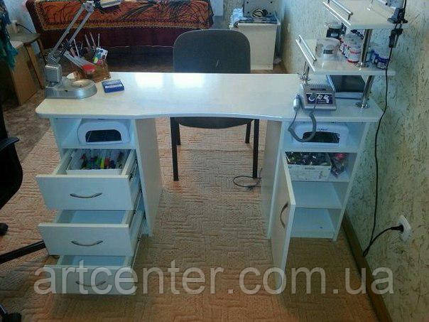 Стол для маникюра, маникюрный стол с ящиками и открытыми полками