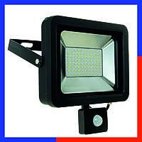 Прожектор с датчиком движения и освещенности SMD 30W 6400K 1800Lm Super Slim