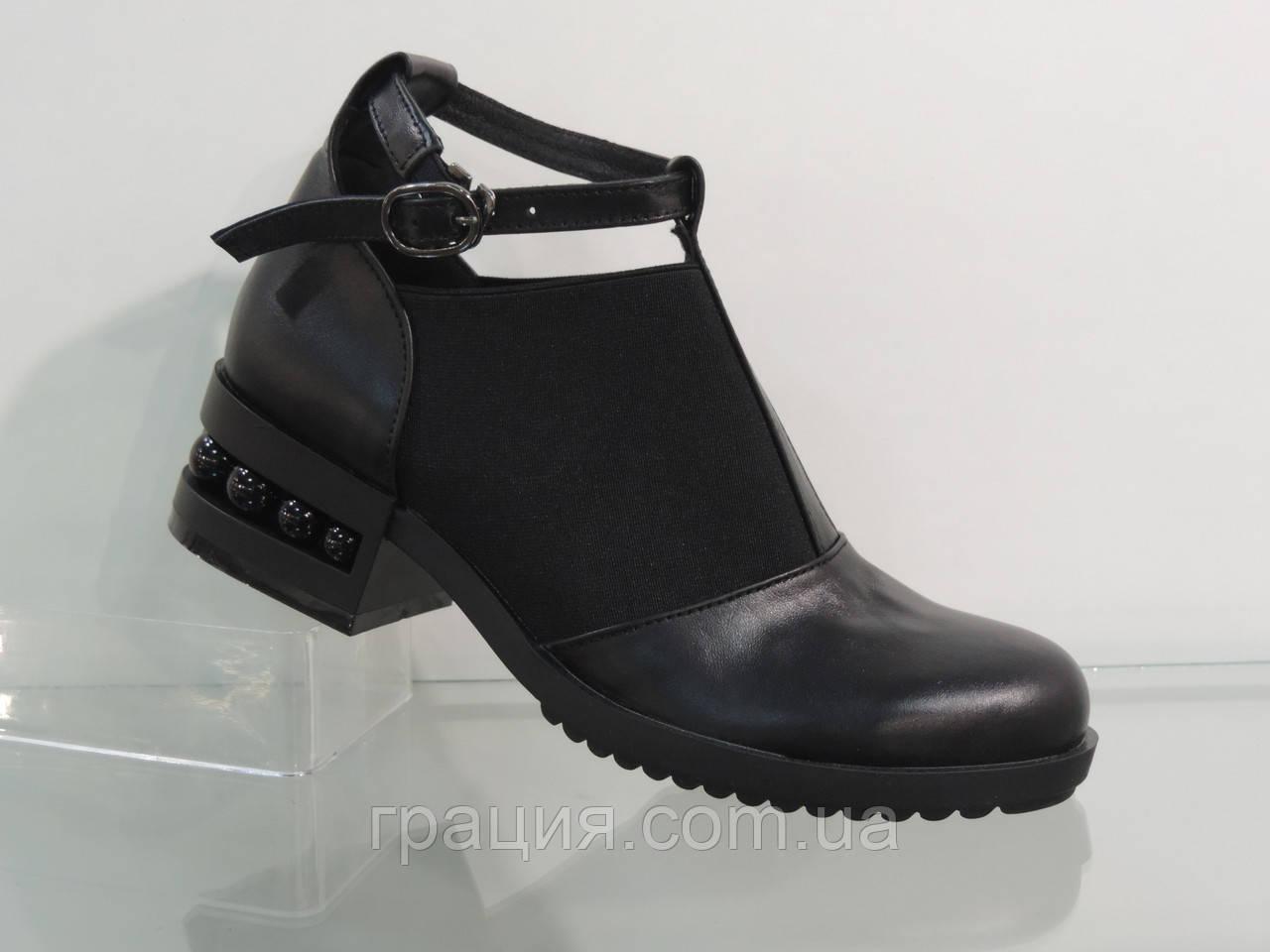 Туфлі жіночі шкіряні натуральні на більшому підборах