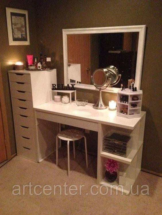 Стол для визажиста,  туалетный столик,  гримерный столик с открытыми полками