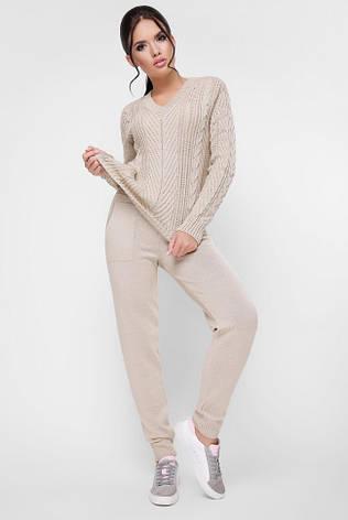 стильный вязаный женский костюм со штанами на манжетах и кофтой
