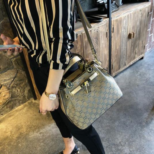Женская кожаная сумочка 1117