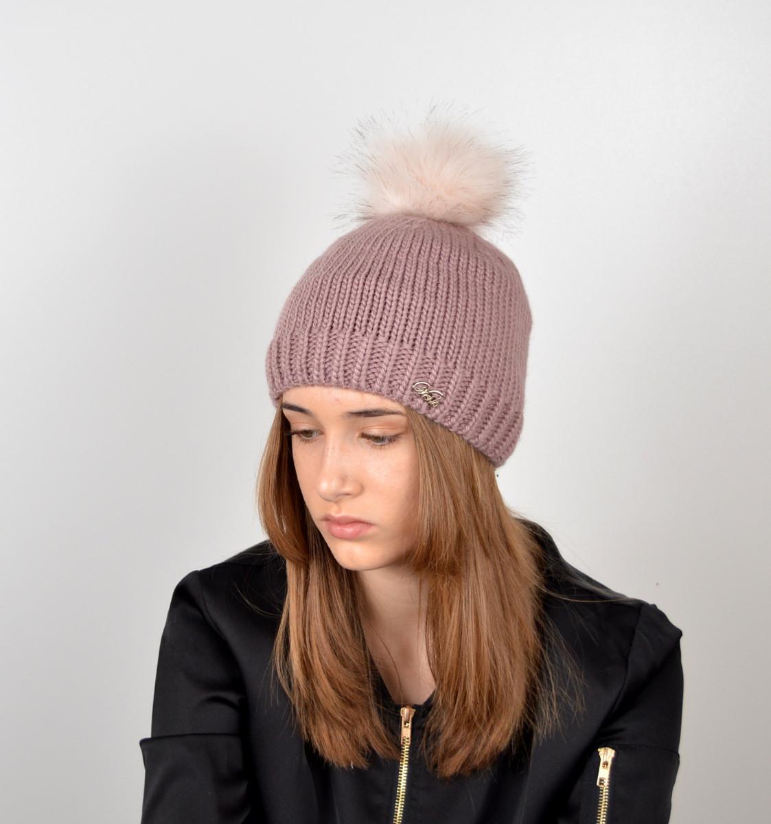 """Вязаная женская шапка """"Linda"""" с меховым помпоном"""