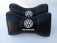 Подушки на подголовник в авто Volkswagen логотп чёрный цвет перфорация