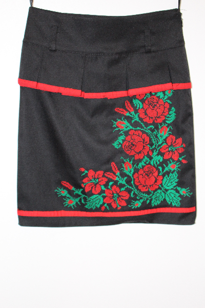 5a8a8aa8b4b798 Вишита спідниця для дівчинки: Троянди 1, цена 280 грн., купить Київ ...