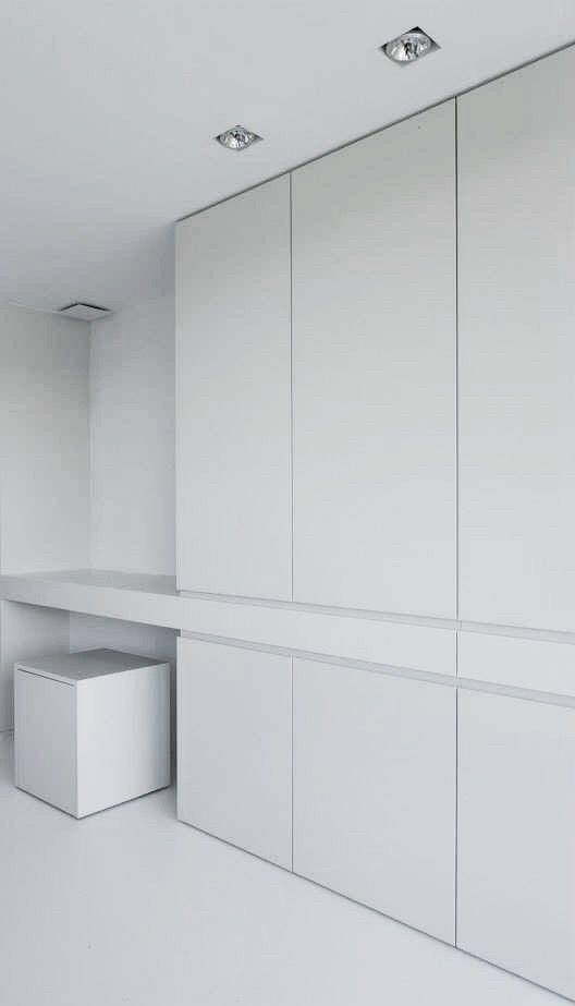 Шкаф в прихожую белый матовый фасады мдф краска матовые