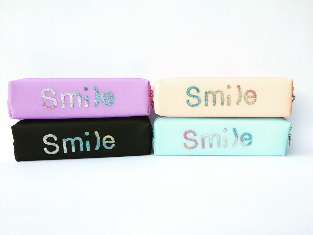 Пенал силиконовый Smile с блеском