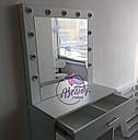 Гримерный столик с парой отделений для косметики, стол для макияжа с зеркалом и лампами, фото 2