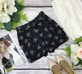 Короткие шорты с защипами в цветочный принт  PN1835072
