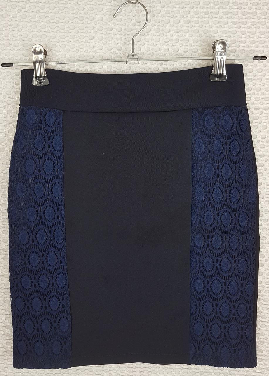 Школьная юбка карандаш  с гипюром темно-синяя  р 140-164