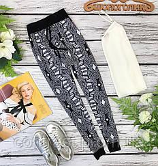 Невесомые вискозные брюки в черно-белом цвете  PN1835046