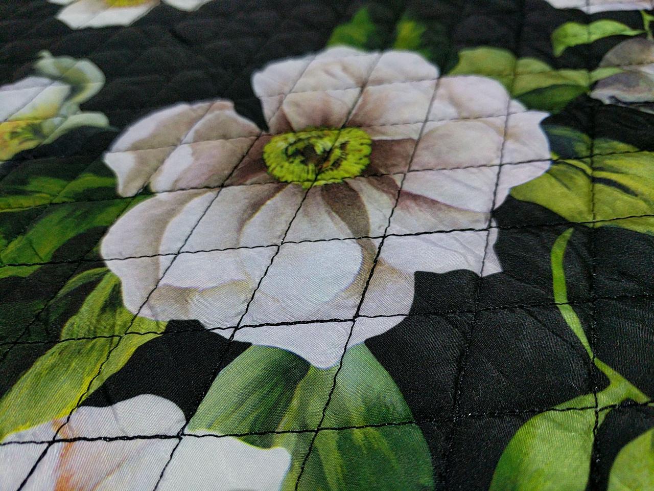 Плащевка строченая принтовая крупные цветы, черный