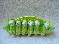 Статуэтка деревянная шесть котов на диване