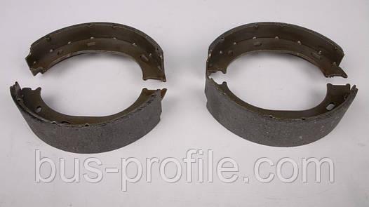 Колодки ручника MB Sprinter 208-316 96- (с пружинками) — Solgy — 209035
